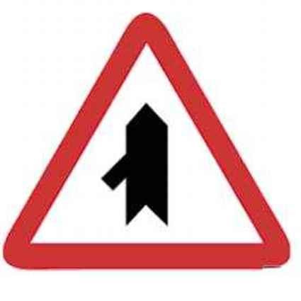 Señales de tráfico de intersección