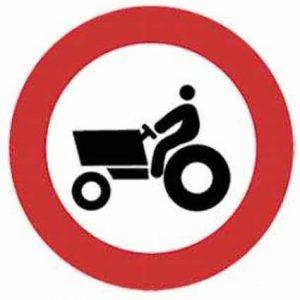 entrada prohibida a vehículos agricolas